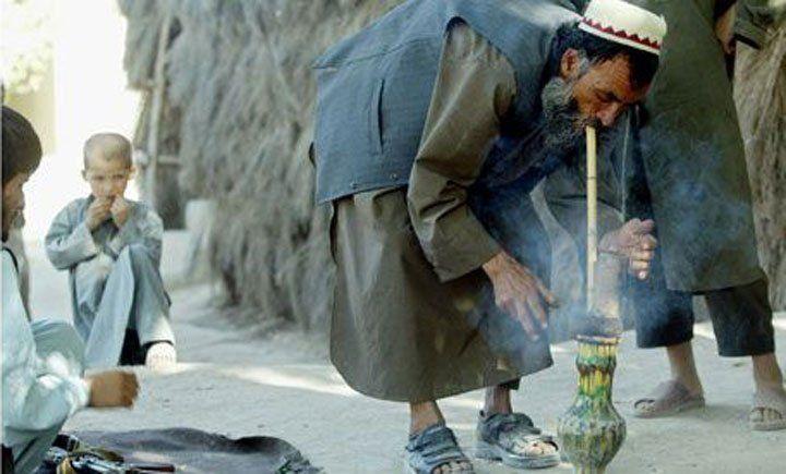 Afghaanse Boeren Roken Hasj